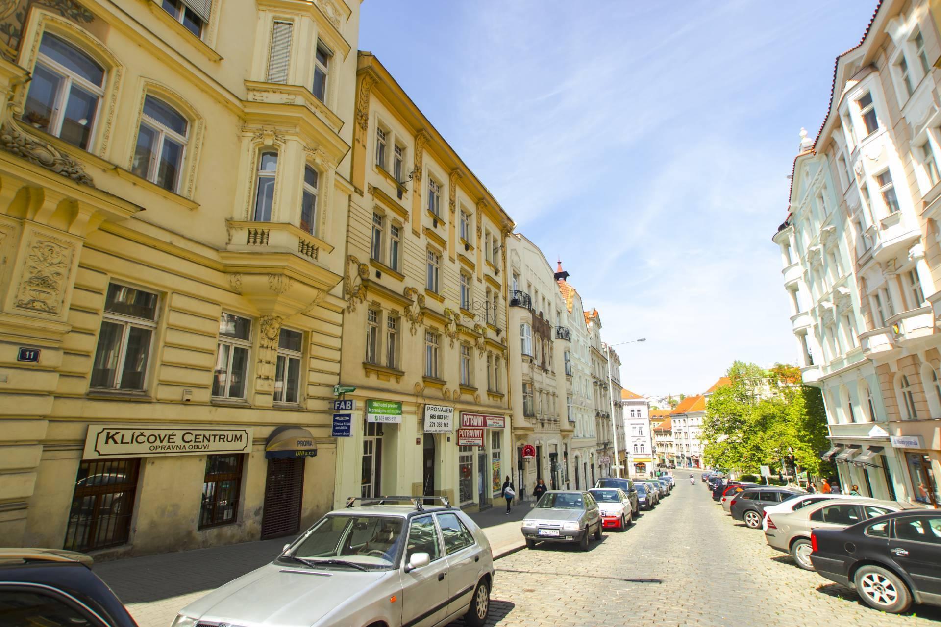 Pronájem obchodní a kancelářské prostory - Sezimova 13, Praha 4