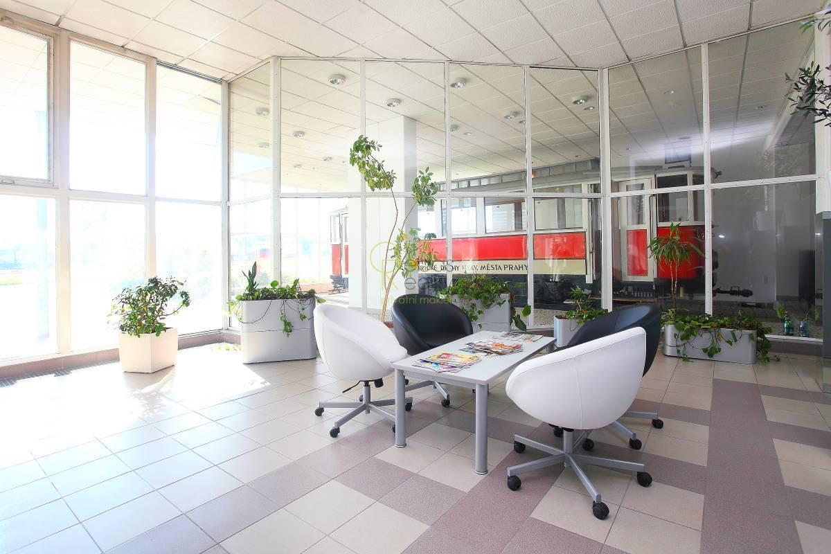 Kancelářské prostory, depozity do 126m2 - Ringhofferova, Praha 5