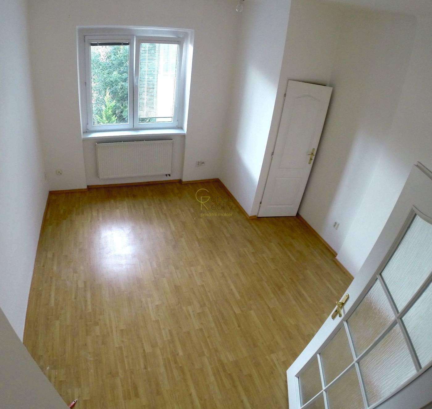 Pronájem bytu 2+1, Holečkova, Praha 5
