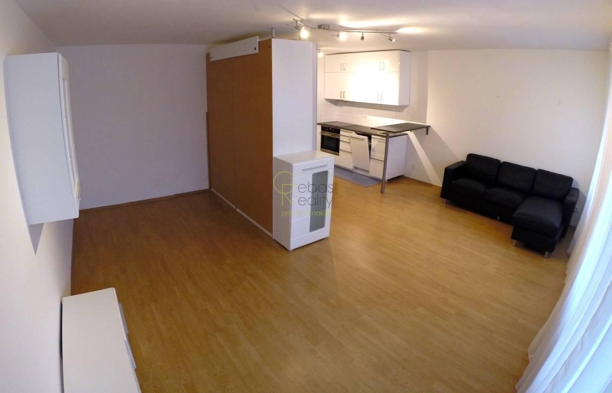 byt 1+kk s balkonem - Praha 13, Stodůlky