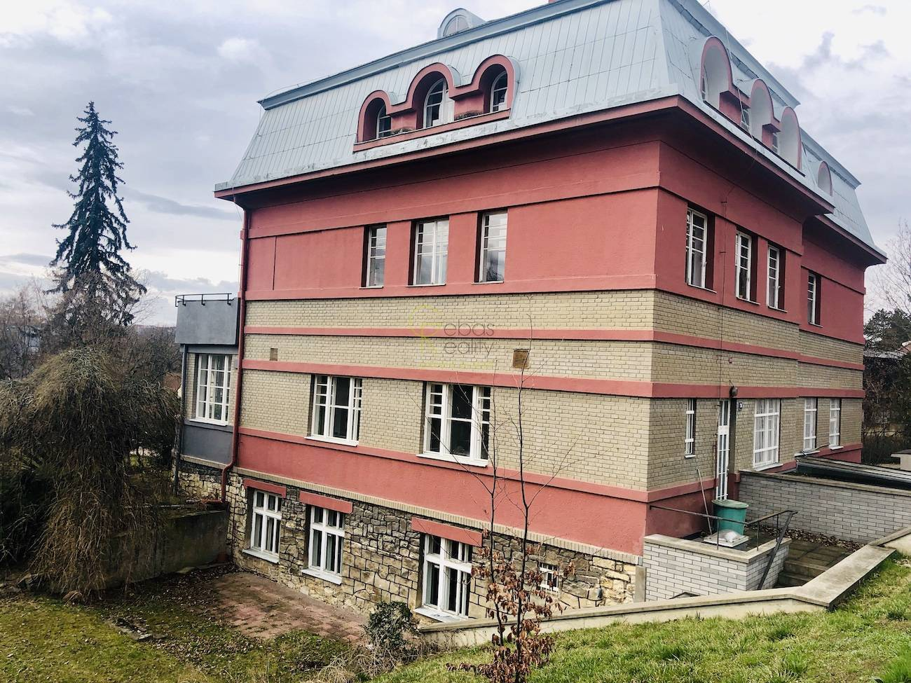 Kancelářské prostory s terasou - ul.Trojská, Praha 7