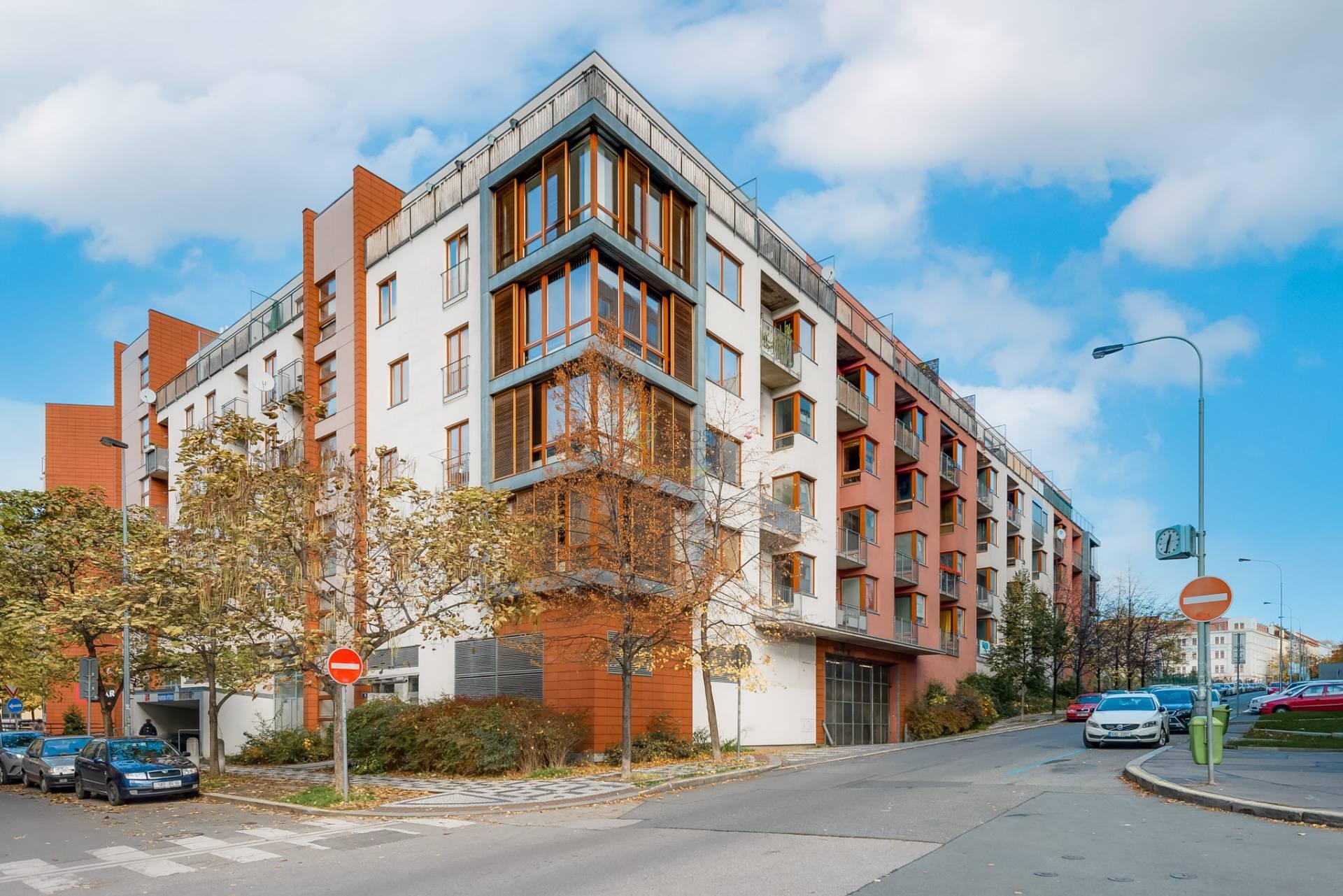 Pronájem bytu 2+kk/L/GS v rezidenci na Vítkově - ul.Roháčova, Praha 3
