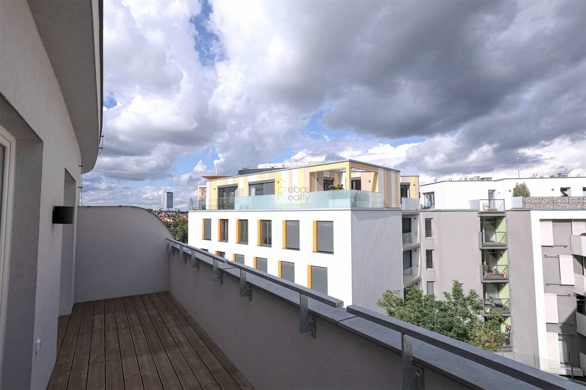 vybavené 2+KK s balkonem - ul.Veleslavínská, Praha 6
