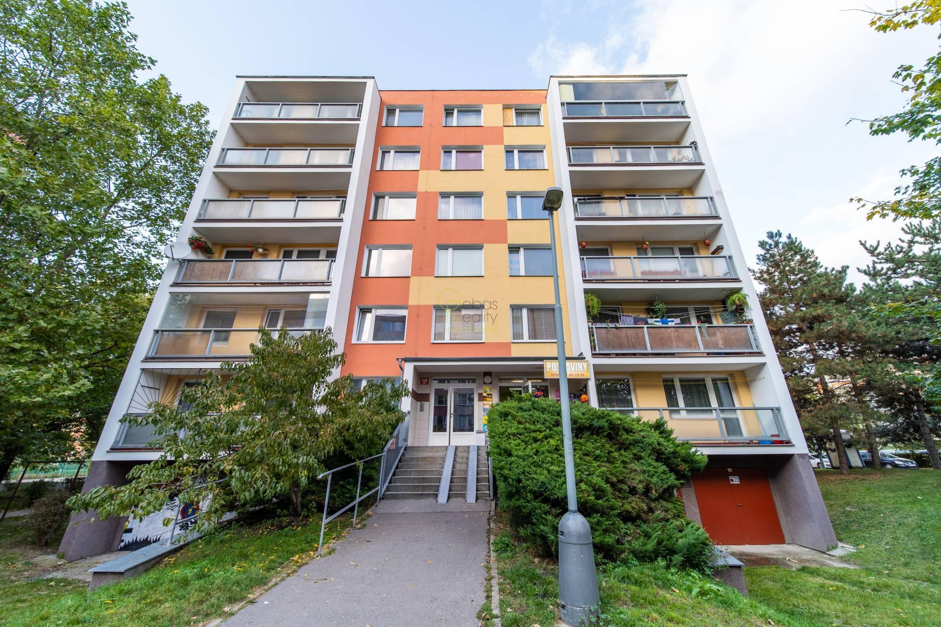 prostorné 4+kk s balkonem - ul.Ostravská,Praha9-Letňany
